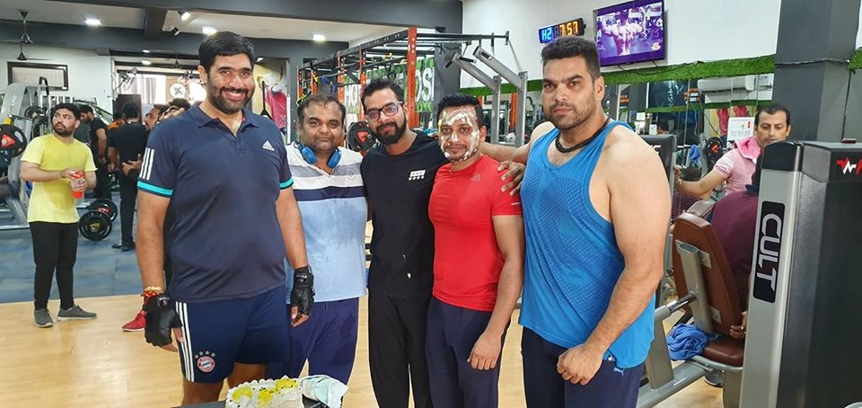 Elite Fitness Unisex Gym